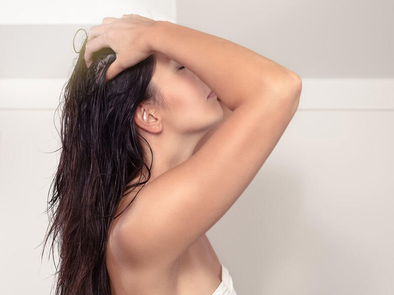how to get long and shiny hair by using hair care essentials