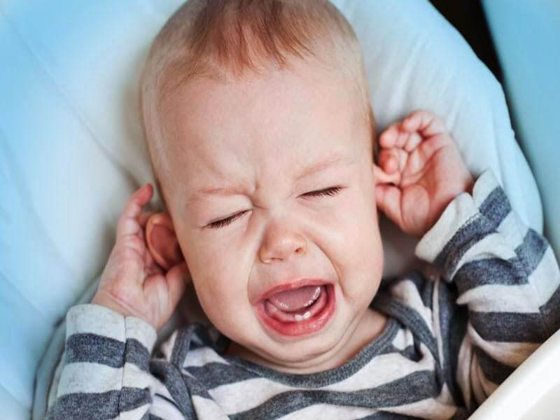 How to deal with your newborn baby's ear infection