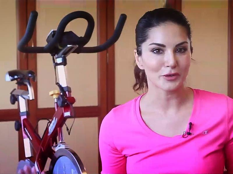 Follow Sunny Leone's Fitness Routine To Get A Sizzling Body