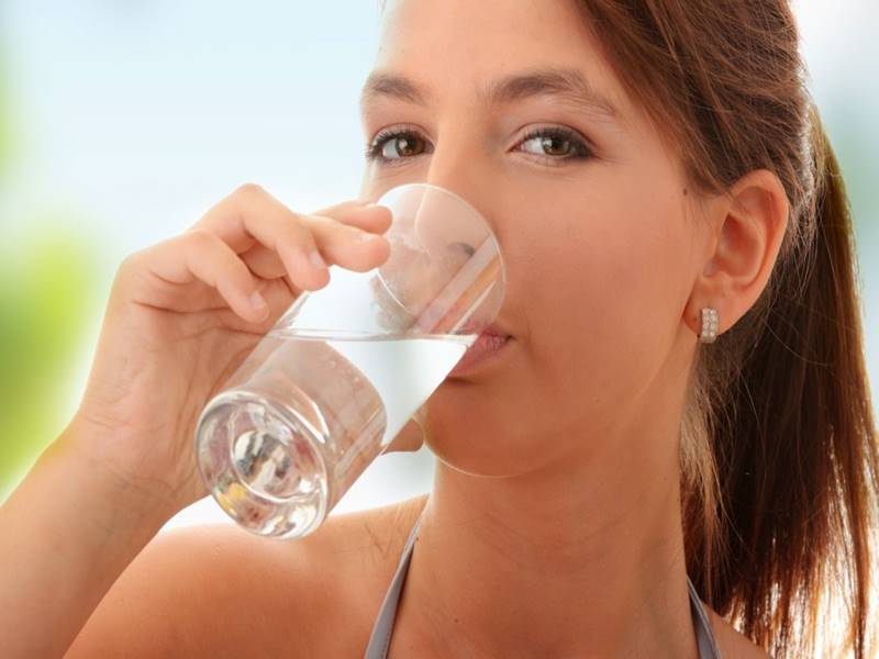 Four Signs That Indicate You Are Not Drinking Enough Water