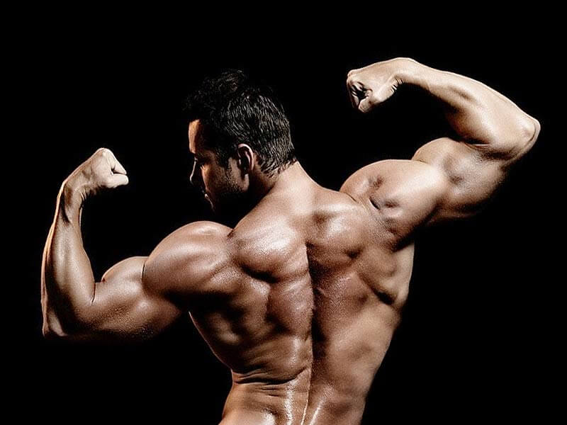 supersets for strong and muscular back