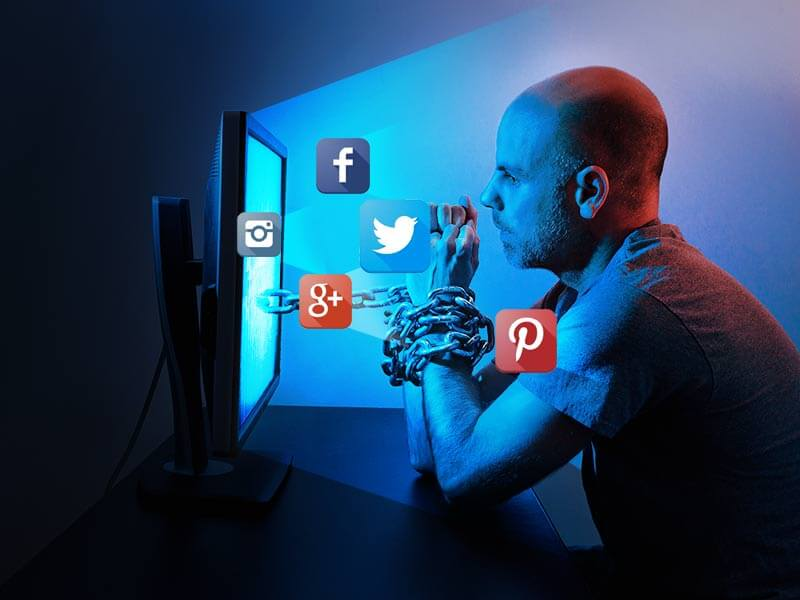 Signs Which Indicate You Should Minimize The Usage of Social Media