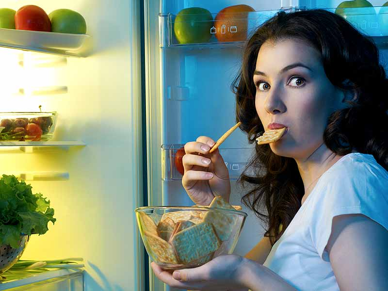 How To Resist Food Cravings During Pregnancy