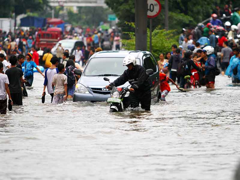 What are the safety precautions one should take during flood