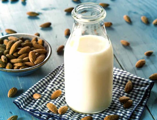What are the various health benefits of drinking almond milk
