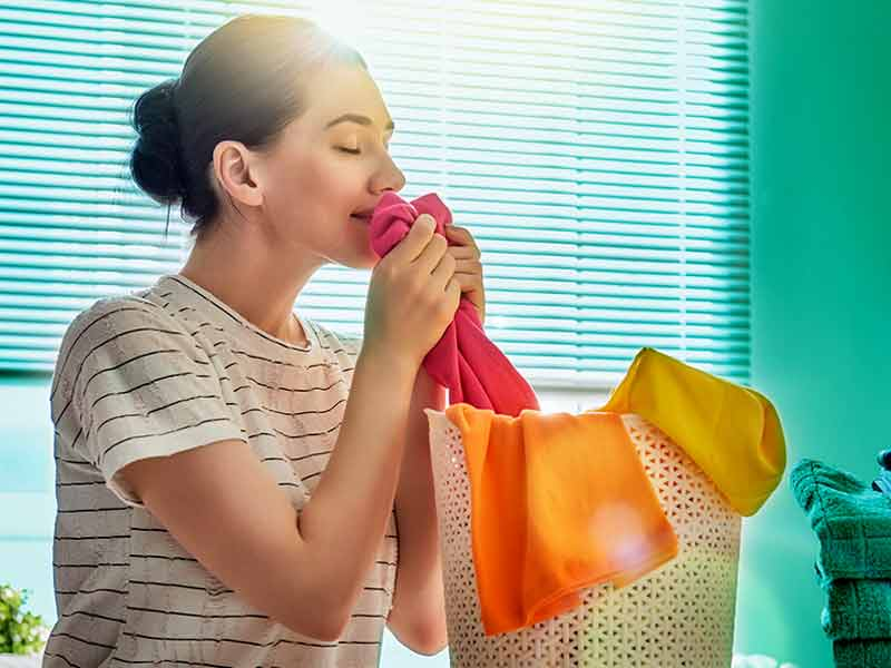 eliminate odor clothes without washing winters