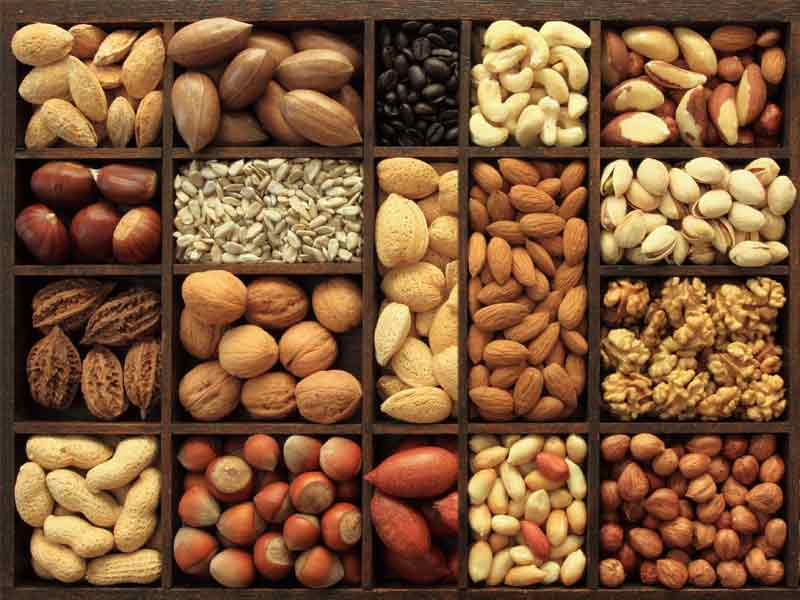 what are the health benefits of eating dry fruits daily