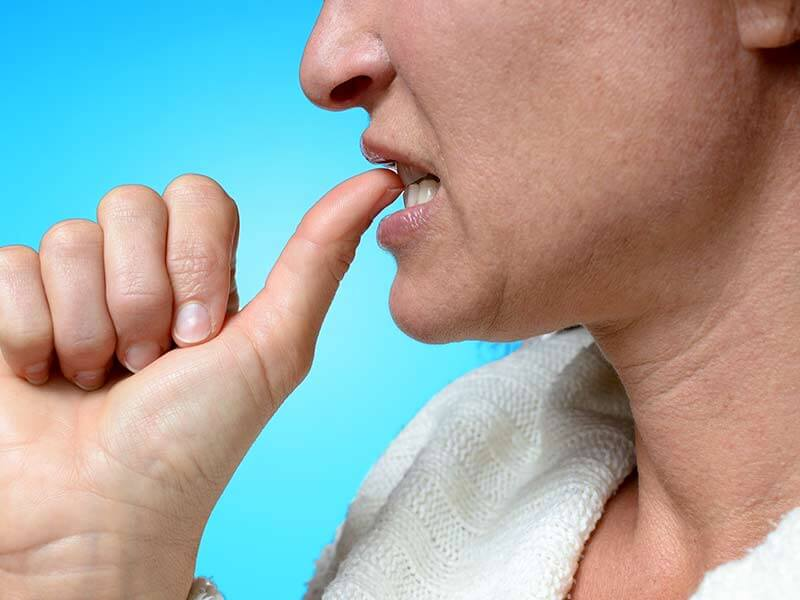 How to stop biting the nails easily