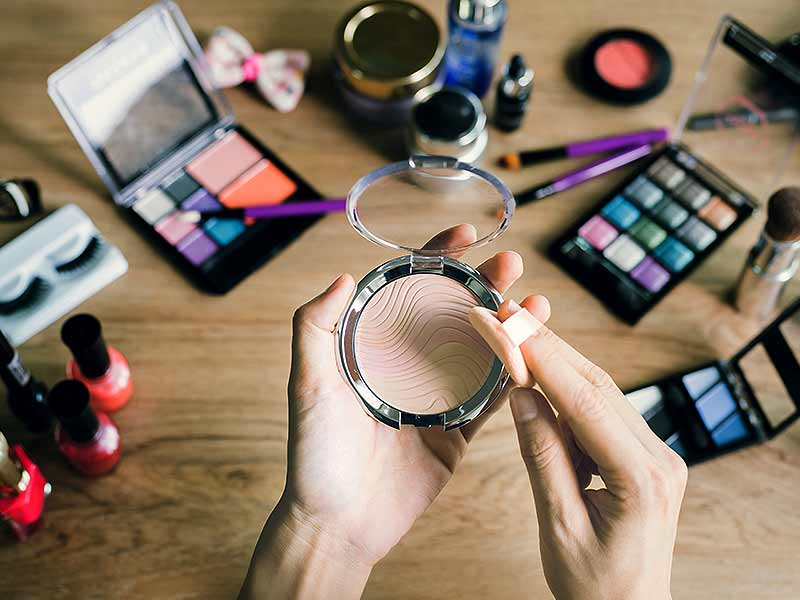 Which makeup products one must not use every day
