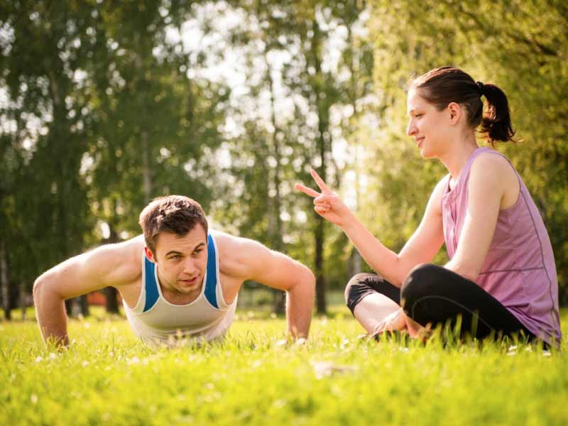 Workout partner helps in achieving fitness goals