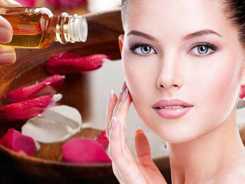 Acne problem can be reduced with the help of rose water