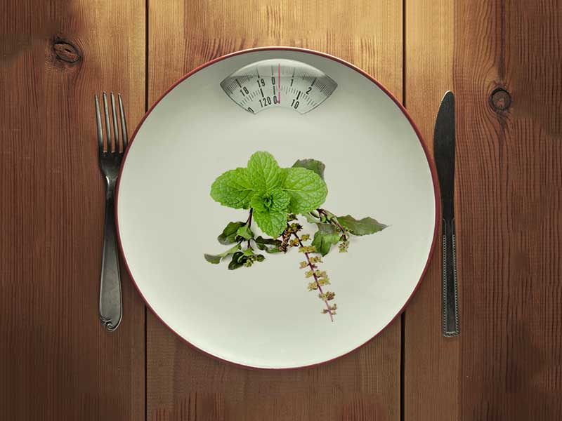 How to lose weight with the help of basil leaves