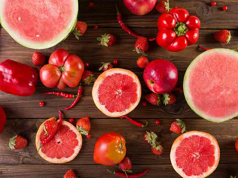 What are the benefits of eating red color fruits and vegetables