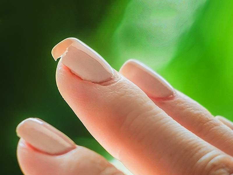 How to get rid of nail breakage or brittle nails with the help of olive oil