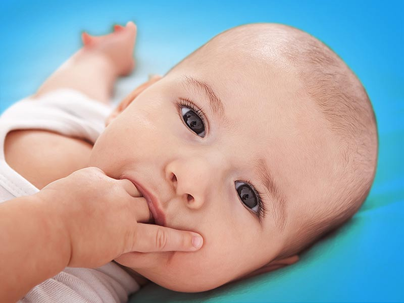Why newly born baby put finger in mouth