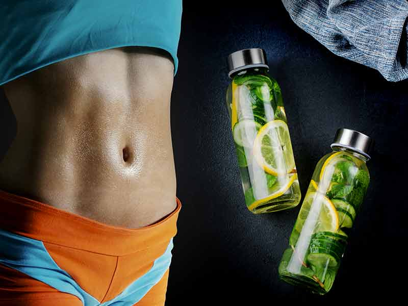 Ideas to use detox water to get a flat stomach