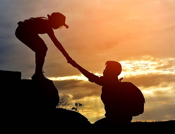 Ways to lend a helping hand to others