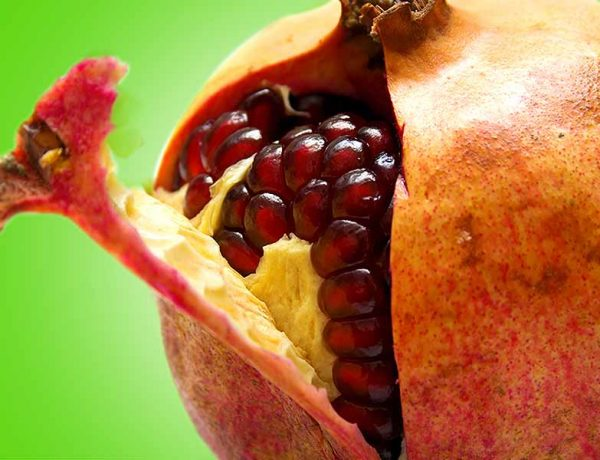 Beauty benefits of applying pomegranate peel
