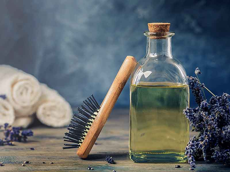 How to apply lavender oil to the hair and what are its benefits