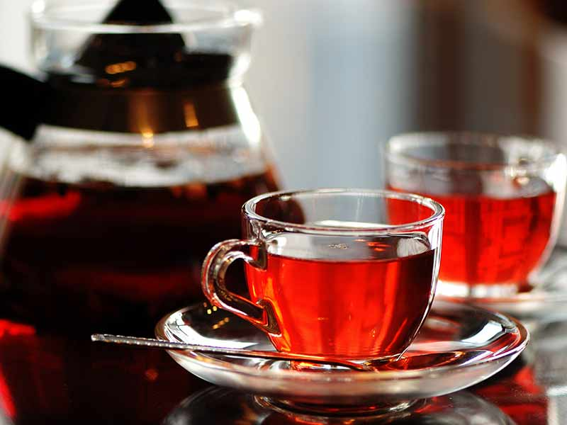 What are the various health benefits of drinking red tea
